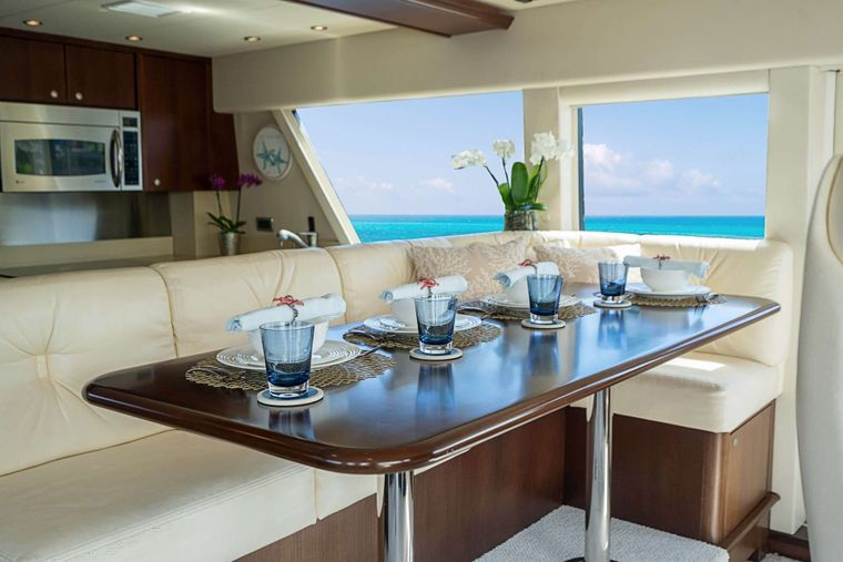 TRUE NORTH Yacht Charter - Seating in wheelhouse
