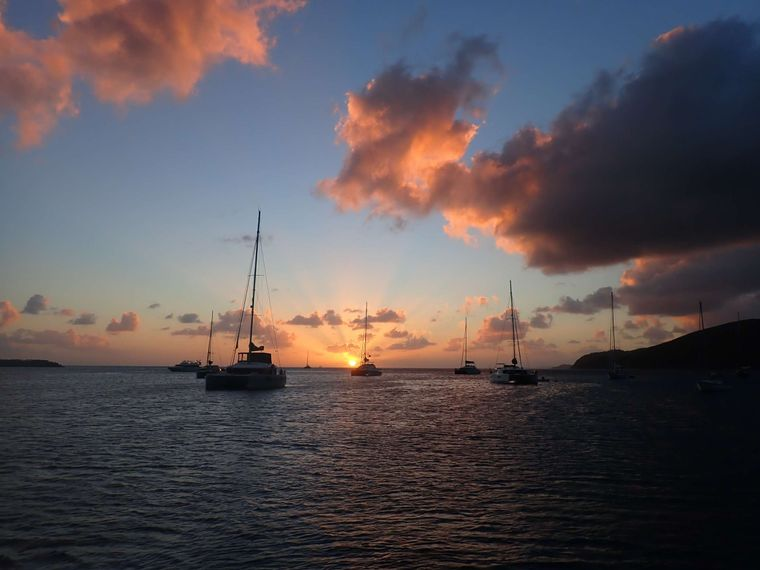 DREAMCATCHER Yacht Charter - Picture perfect sunset