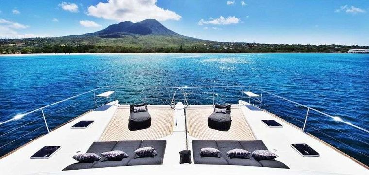 MARE BLU Yacht Charter - Enjoy the Caribbean views from Mare Blu