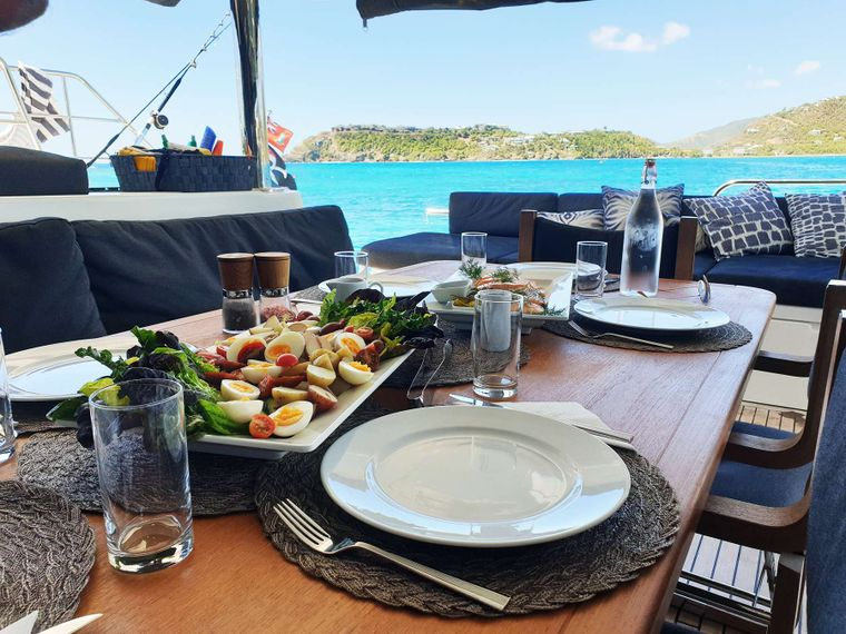 MARE BLU Yacht Charter - Dining with a View...