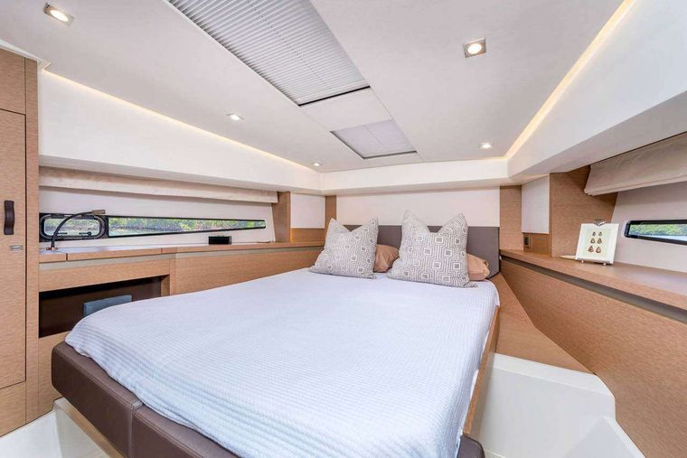 ADUDU 2 Yacht Charter - Forward double bed cabin ADUDU 2