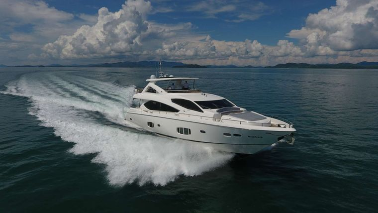 MAXXX Yacht Charter - Ritzy Charters