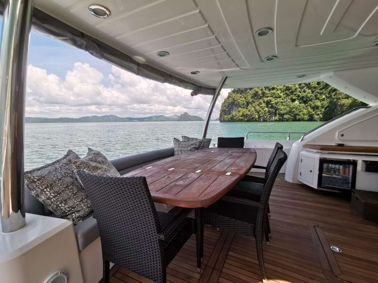 MAXXX Yacht Charter - Main Deck Aft with dining table
