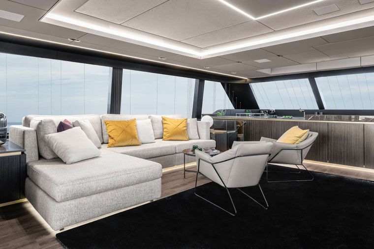 OTOCTONE 80 Yacht Charter - Saloon