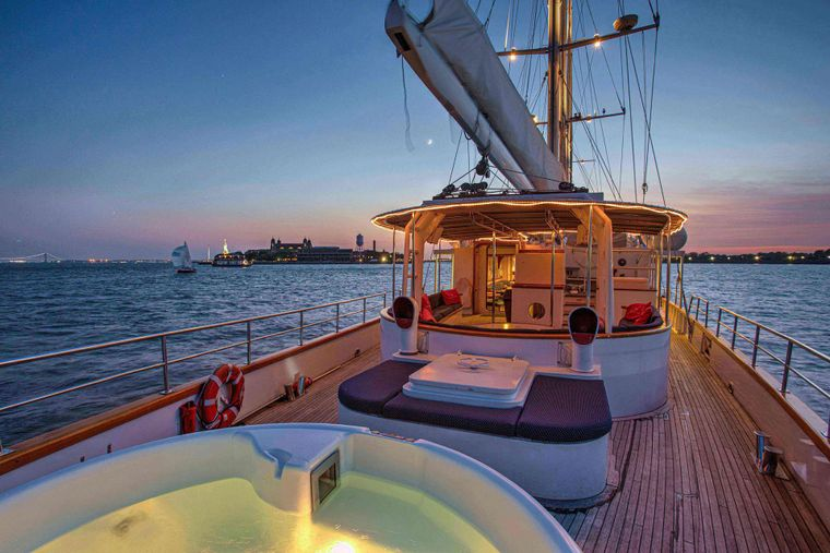 ARABELLA Yacht Charter - Lots of outdoor space for the perfect sail