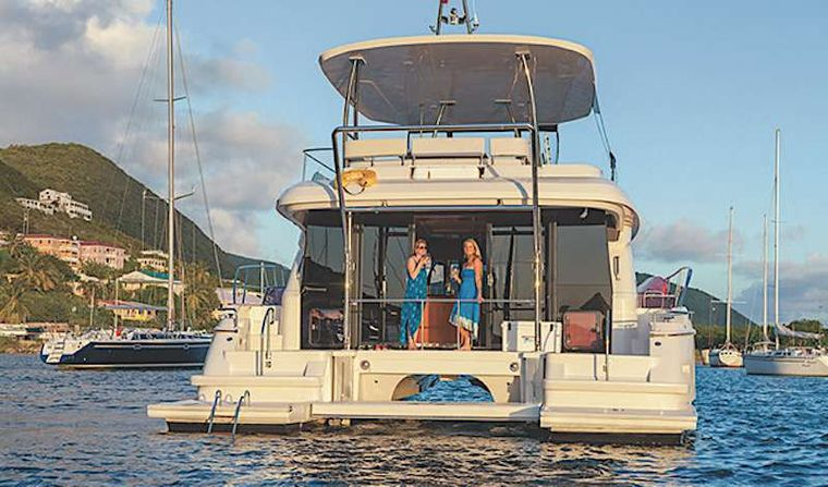 VYVO Yacht Charter - Aft deck & easy water access