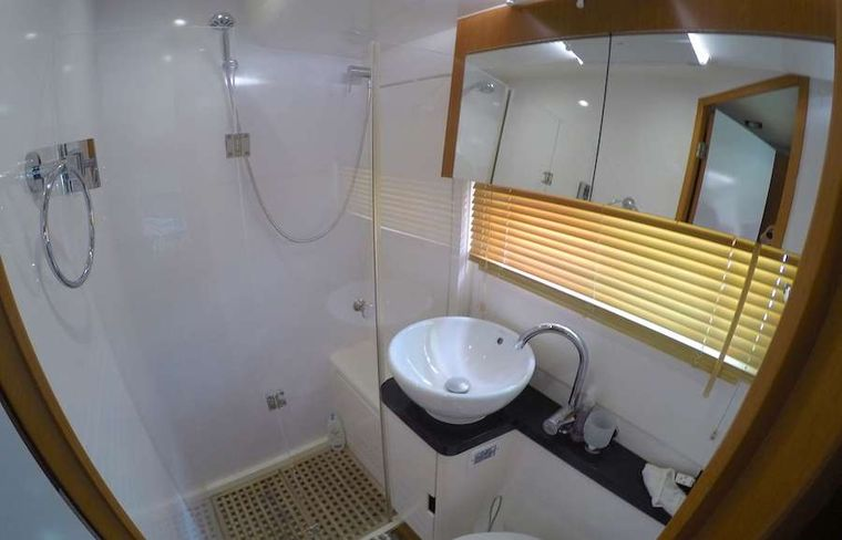 VYVO Yacht Charter - Guest head and shower.