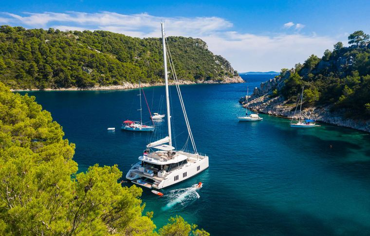 SOLITAIRE Yacht Charter - Ritzy Charters