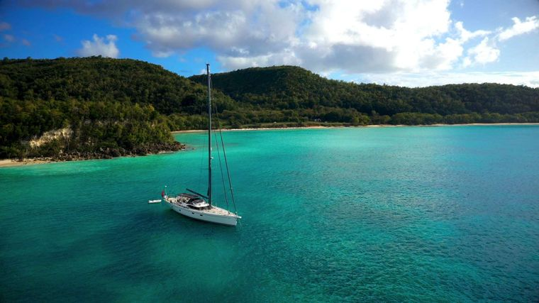 Oyster 825 Yacht Charter - Ritzy Charters