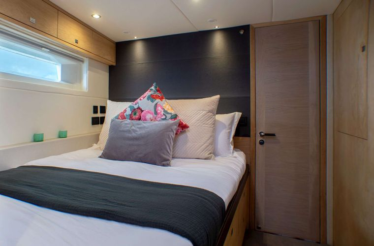 Oyster 825 Yacht Charter - CH - Guest Cabin 4