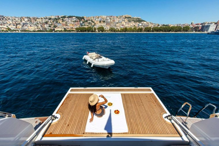 Penelope Yacht Charter - Retractable beach club