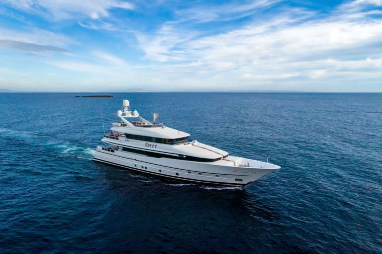 ENVY Yacht Charter - Ritzy Charters