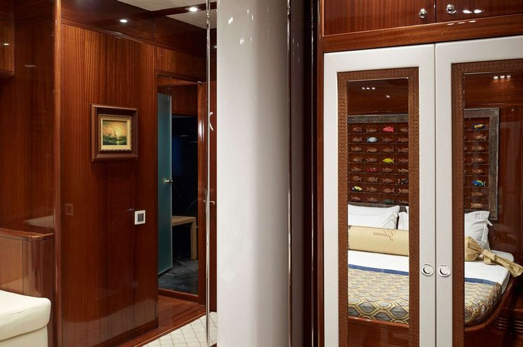 GLORIOUS II Yacht Charter - Owner Suite