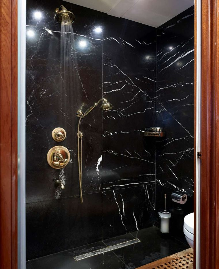GLORIOUS II Yacht Charter - Owner Suite Bathroom