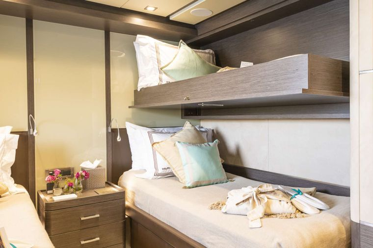 ORSO 3 Yacht Charter - Twin Cabin with pullman