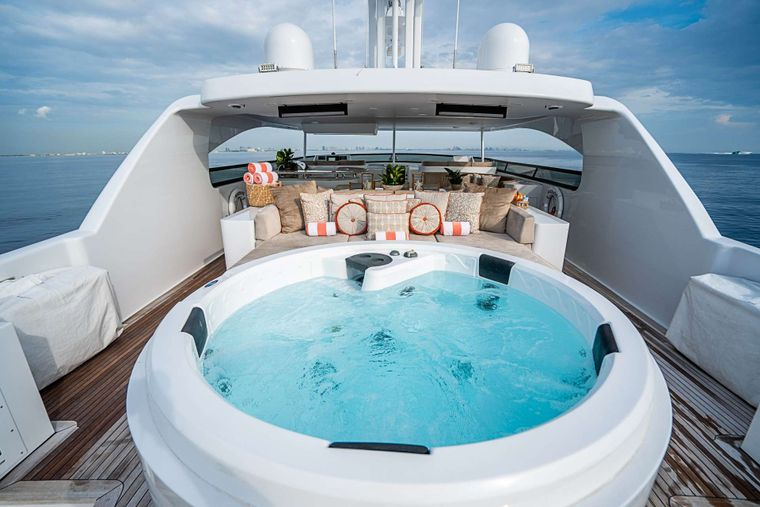 DREAM Yacht Charter - Flybridge with Jacuzzi