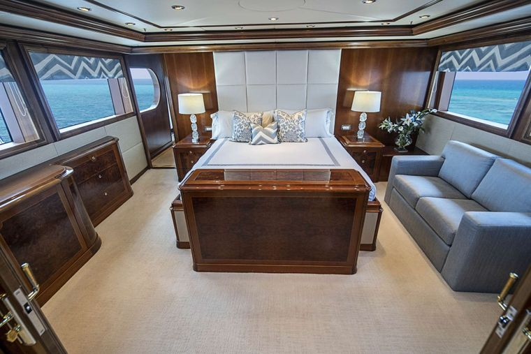 DREAM Yacht Charter - On deck Master stateroom