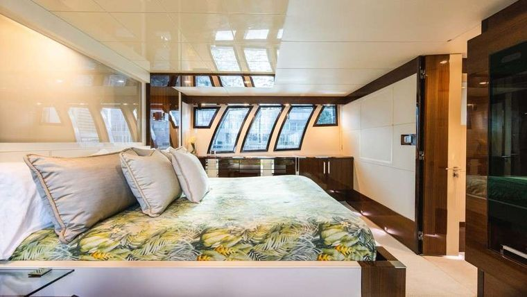 HELIOS Yacht Charter - Master