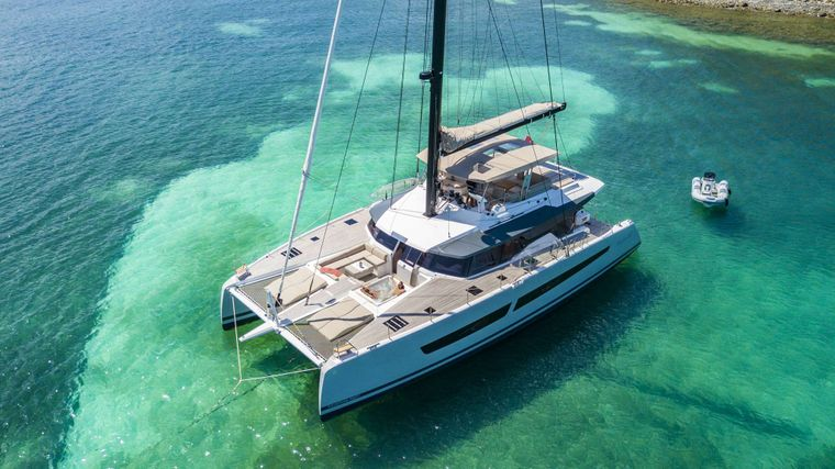 Lisa of the Seas Yacht Charter - Ritzy Charters