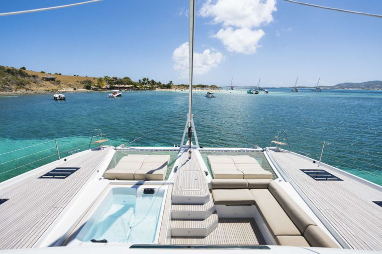 Lisa of the Seas Yacht Charter - Foredeck