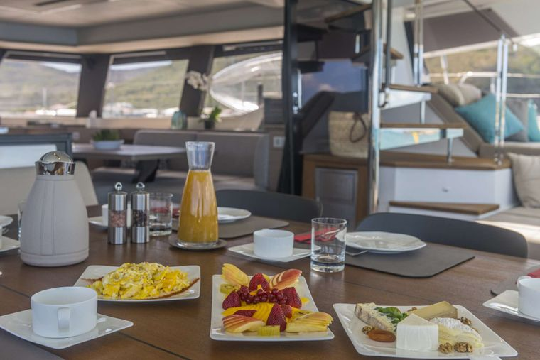 Lisa of the Seas Yacht Charter - Lifestyle - Breakfast on Aft Deck