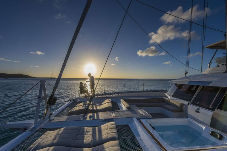 Lisa of the Seas Yacht Charter - Lifestyle - Cocktail on Foredeck