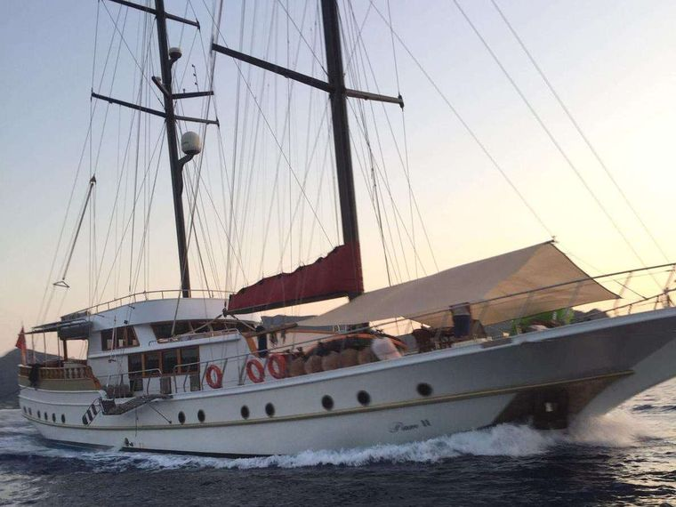PAM 2 Yacht Charter - Ritzy Charters