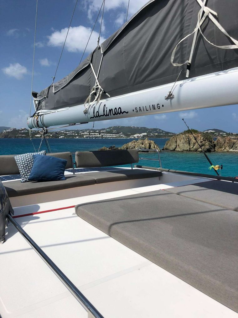 LA LINEA Yacht Charter - Flybridge Seating and Sunbathing Area