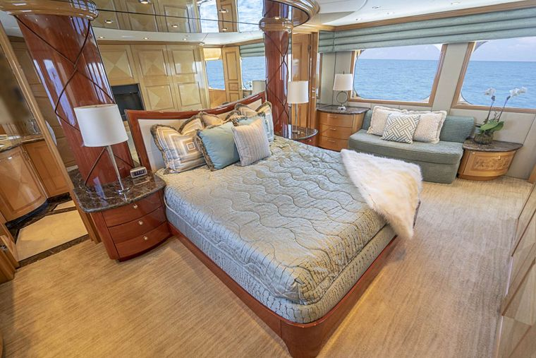 REFLECTIONS Yacht Charter - On deck King master stateroom