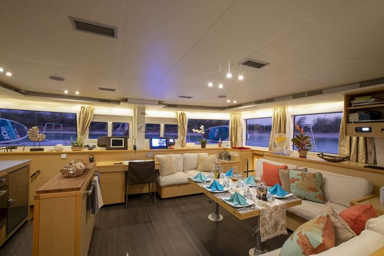 Whispers II Yacht Charter - WHISPERS II - Salon/Dining