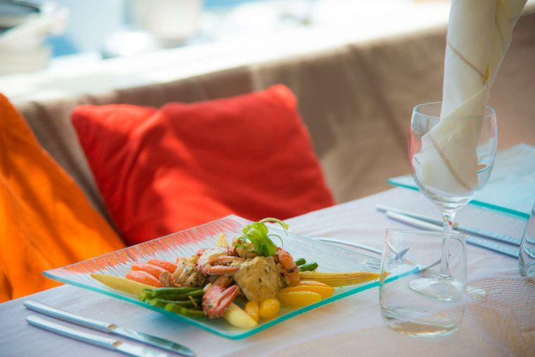 LONESTAR Yacht Charter - Delicious and healthy menus on board