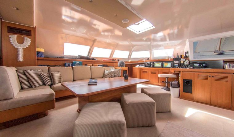 LONESTAR Yacht Charter - Main Salon with comfortable seating