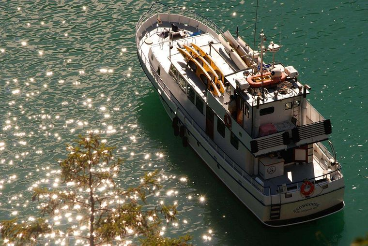 Snow Goose Yacht Charter - Ritzy Charters