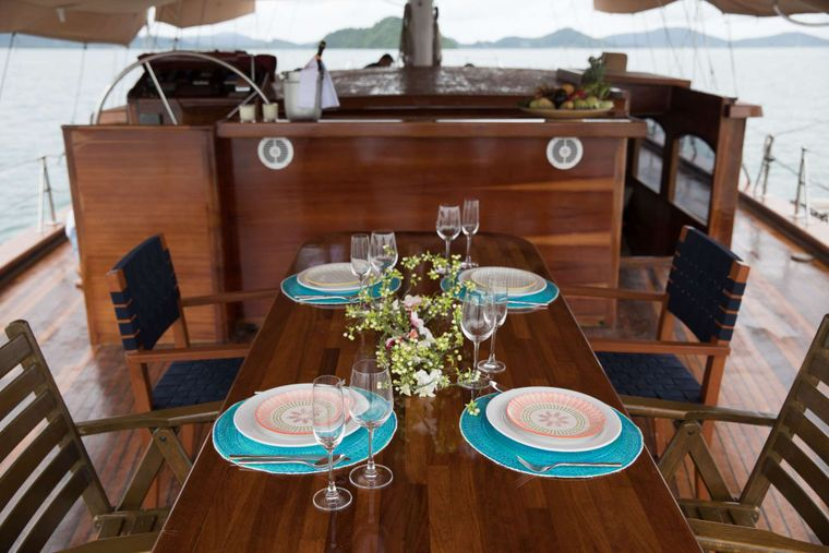 ORIENT PEARL Yacht Charter - Dining on aft deck under awning