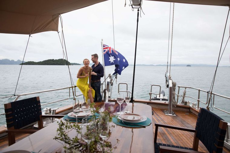 ORIENT PEARL Yacht Charter - Spacious Aft deck with dining and bar