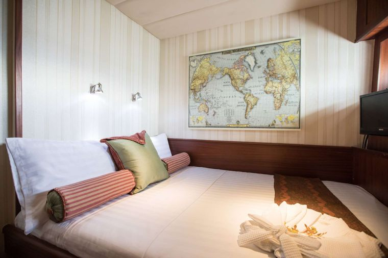 ORIENT PEARL Yacht Charter - Two VIP double cabins on port and starboard