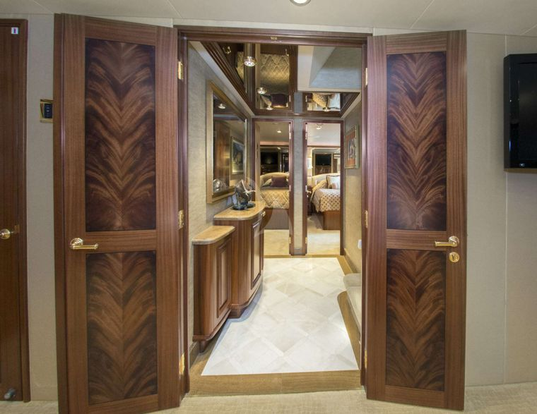 WILD KINGDOM Yacht Charter - Foyer to Staterooms