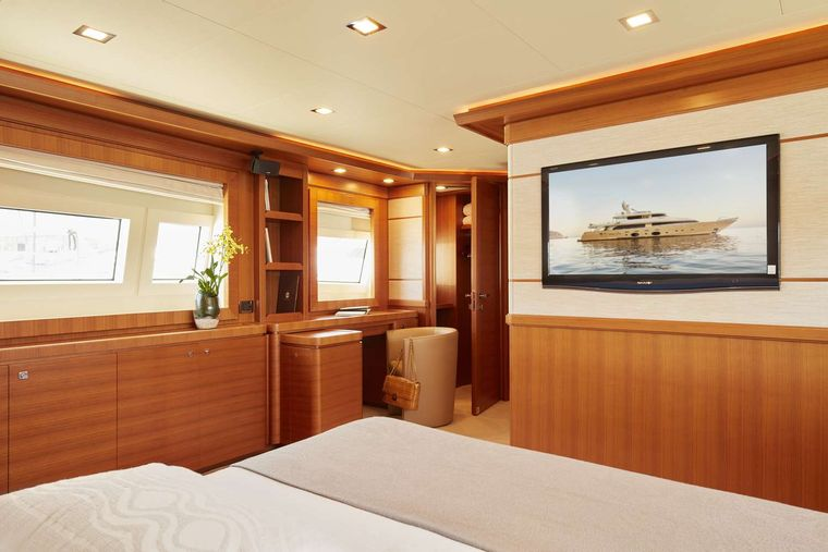BEST OFF Yacht Charter - Master Cabin