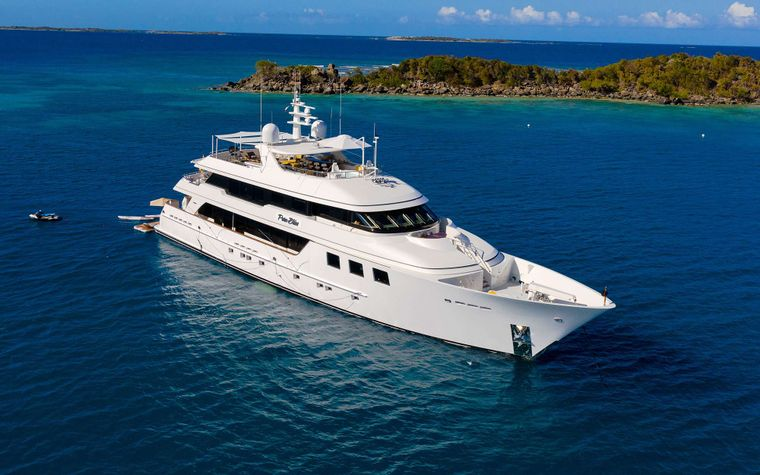 PURE BLISS Yacht Charter - Ritzy Charters