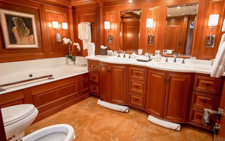 PURE BLISS Yacht Charter - Master ensuite