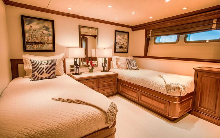 PURE BLISS Yacht Charter - Twin/ Convertible King Stateroom