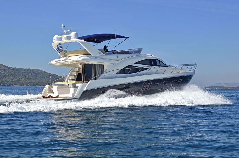 WAVE MASTER Yacht Charter - Ritzy Charters