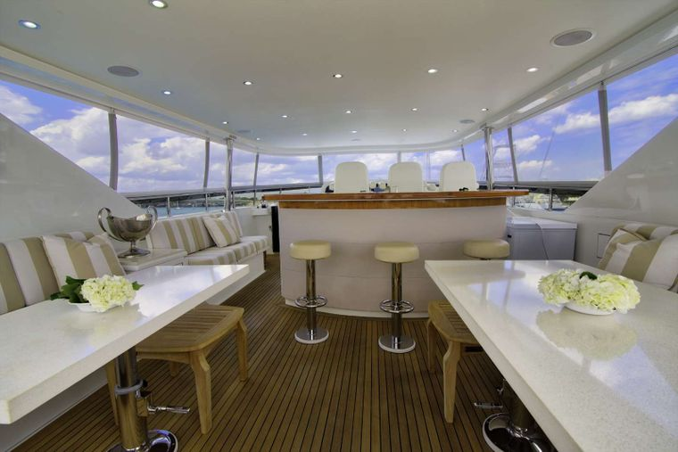 STERLING V Yacht Charter - Flybridge Seating and Bar