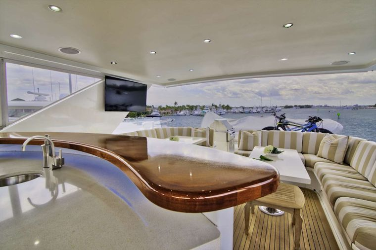STERLING V Yacht Charter - Flybridge Aft