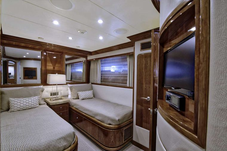 STERLING V Yacht Charter - Twin Convertible Stateroom