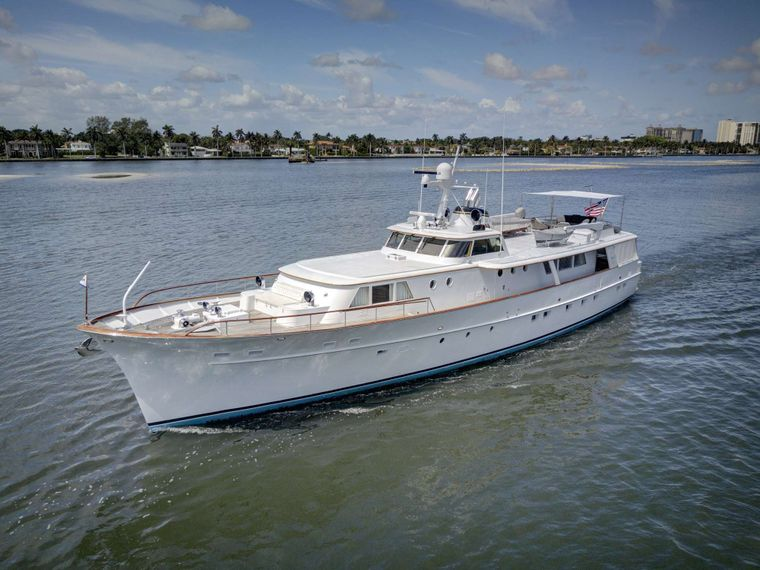 SOVEREIGN Yacht Charter - Ritzy Charters
