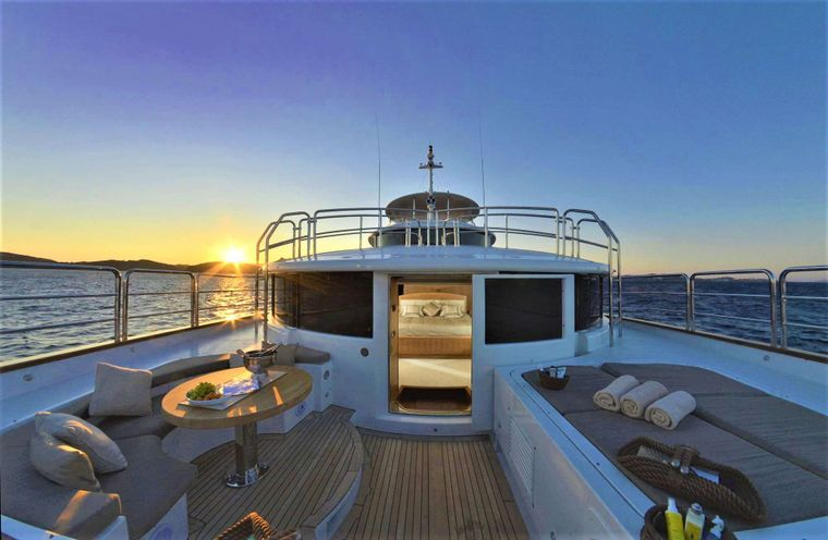 GRANDE AMORE Yacht Charter - Master Cabin on Main Deck, Private Terrace