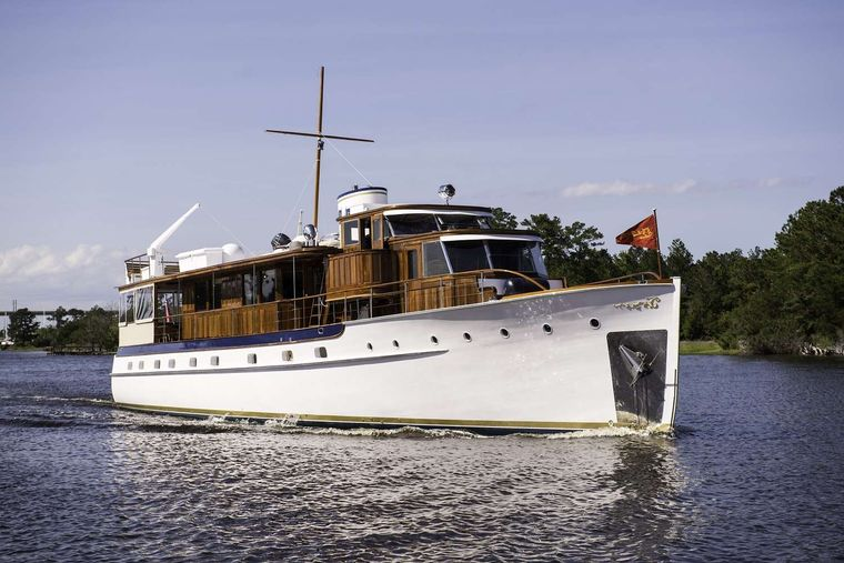 BB Yacht Charter - Ritzy Charters