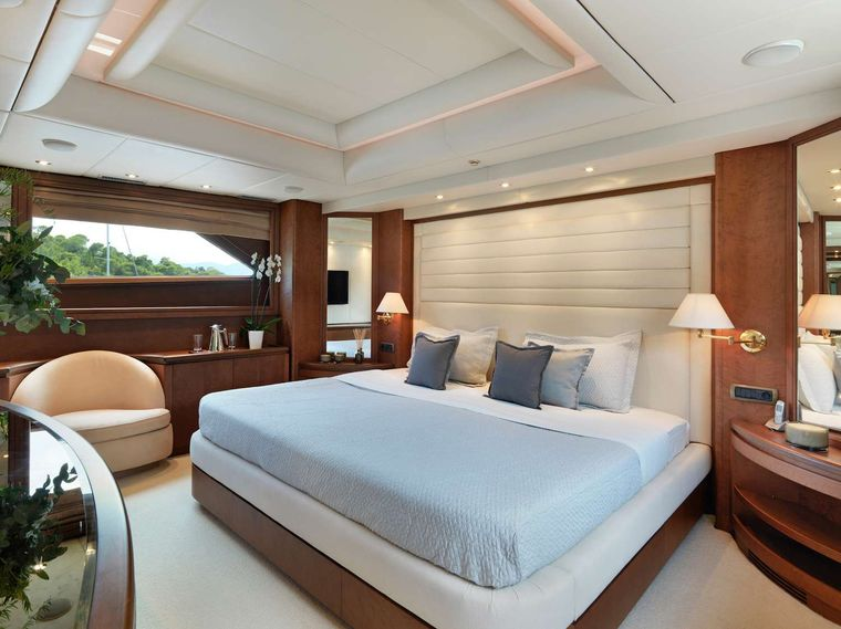 IDYLLE Yacht Charter - Master Suite on Main deck