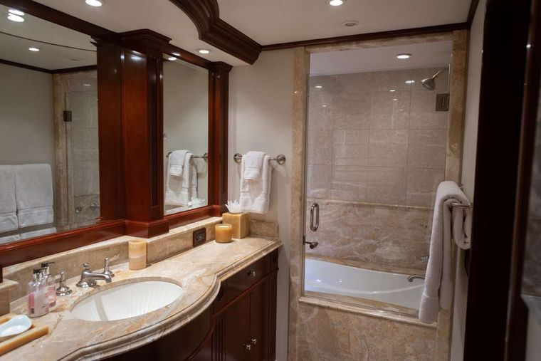 ODIN Yacht Charter - Master ensuite, his/hers